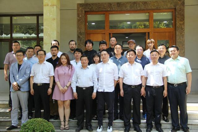 游戏多与上海久意共同与西安碑林区政府签约 联合打造数字体育(电竞)示范基地