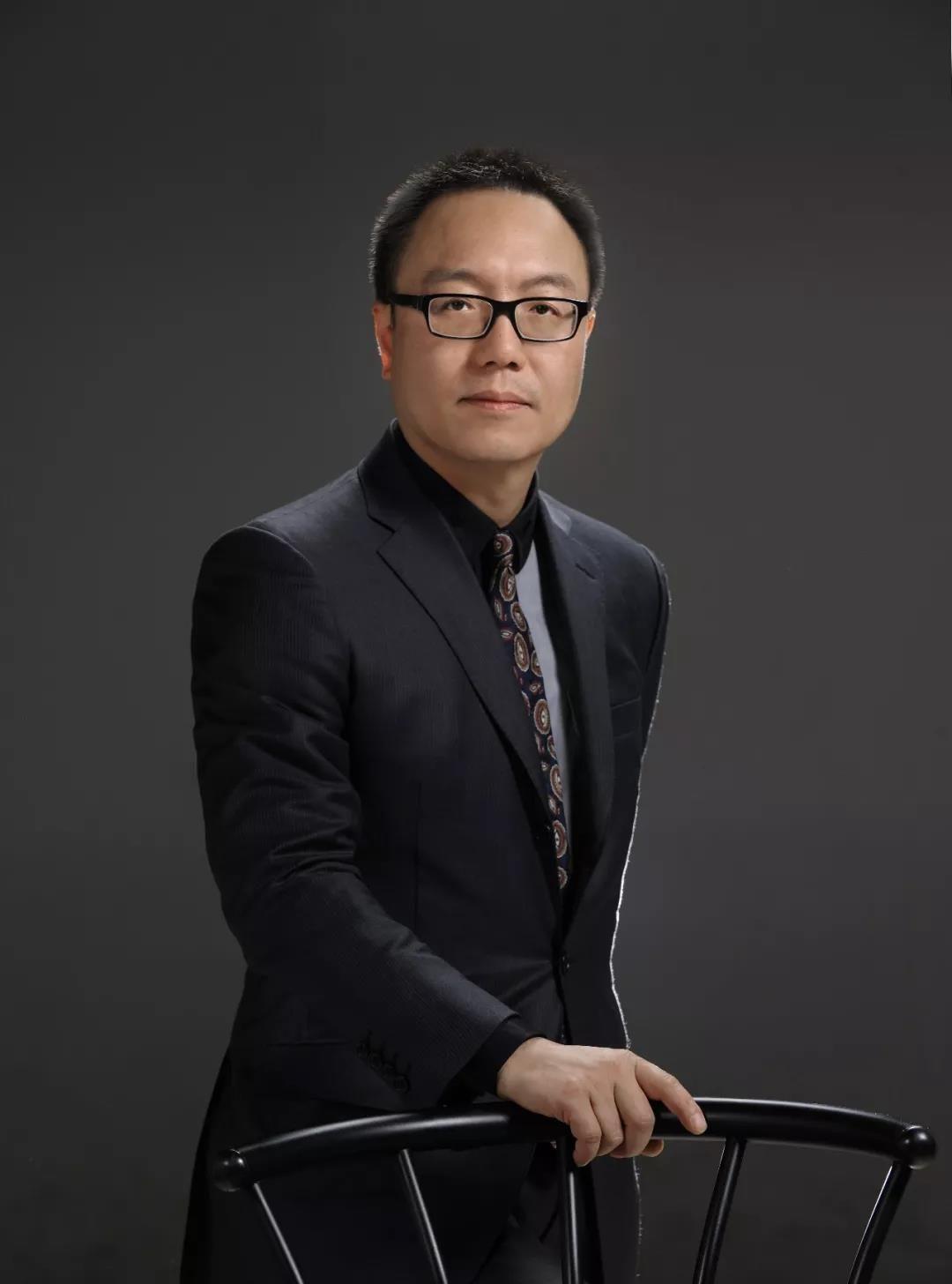 完美世界首席执行官 萧泓博士