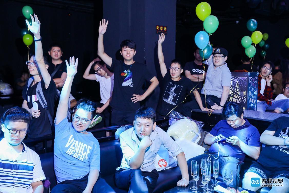 应用宝霸服俱乐部带领玩家 共飨《剑与家园》周年庆生晚会